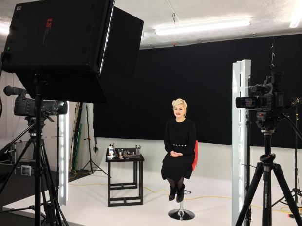 Model Jo on set