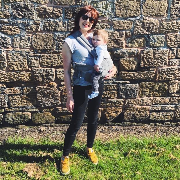 Baby ergo baby carrier hip dysplasia