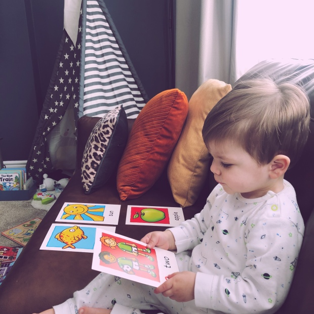 Baby reading flash cards